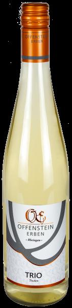 TRIO trocken, Weißweincuvée aus Gelber Muskateller, Scheurebe und Riesling
